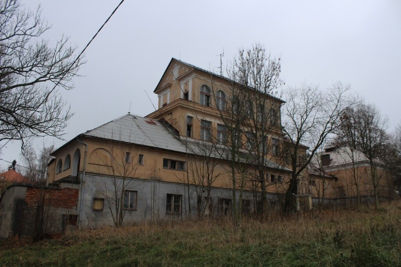 Kamenicky_Senov_dolni_skolal_05