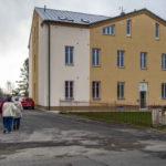 Cvikov: Z bývalého internátu vybudovali ve Cvikově bydlení pro seniory.